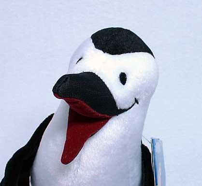 絵本 Whiteblack the Penguin Sees the World